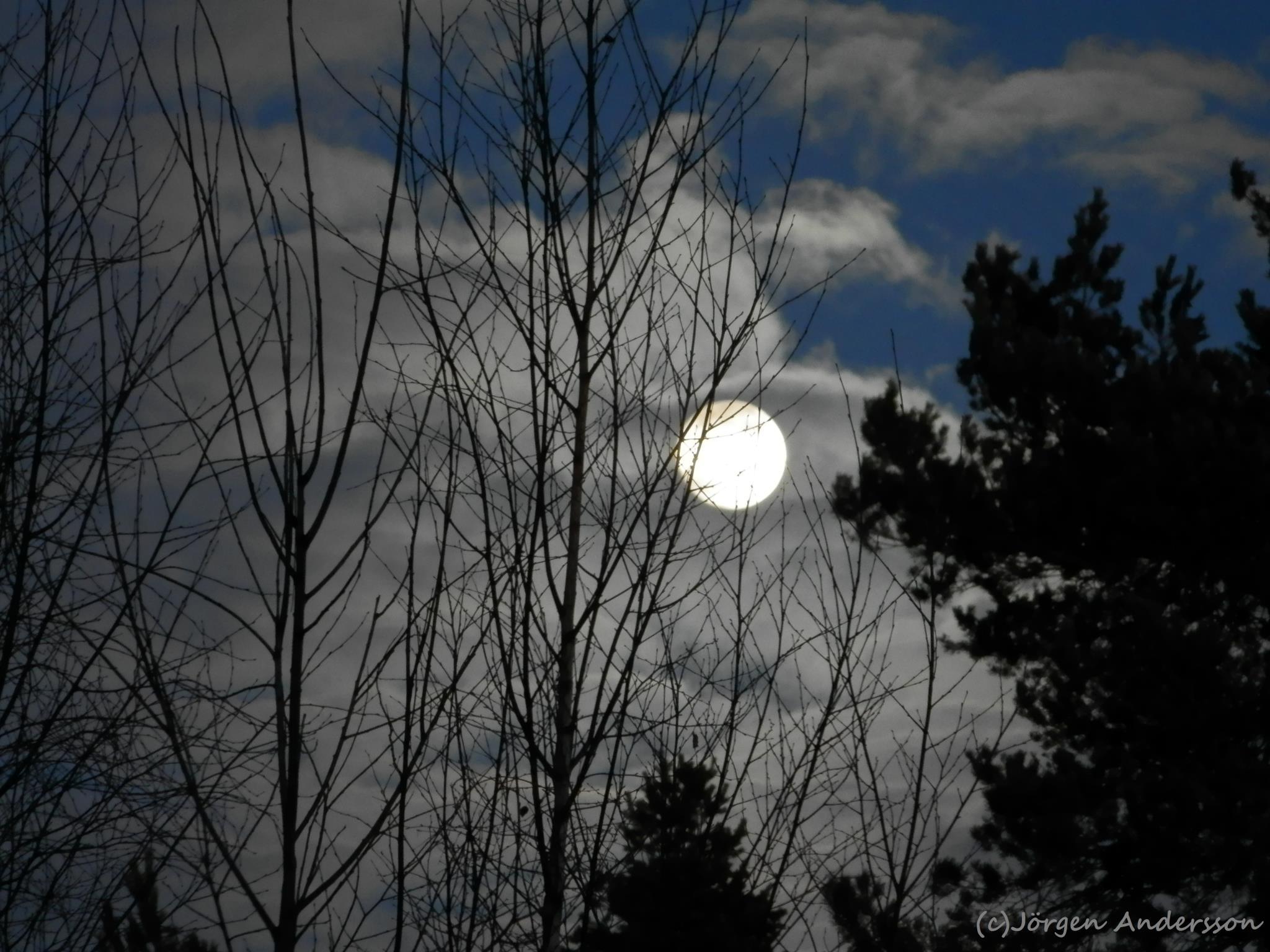 moon_full_2-24-2013_Jorgen_Norrland_Andersson_Sweden