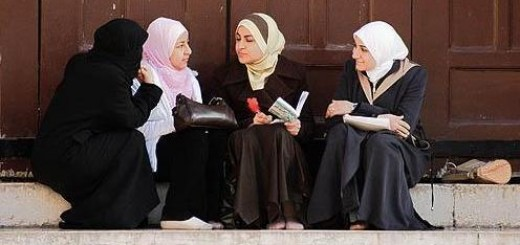 young-syrian-women-talking